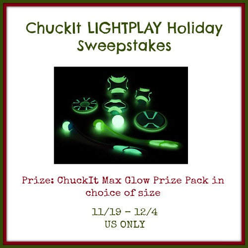 ChuckIT LIGHTPLAY Holiday Giveaway
